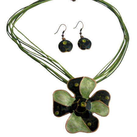 Fabulous Gold Peridot Jewelry Set Enamel Multi Strand Green Pendant w/ Paint Designed Pendant Necklace Set