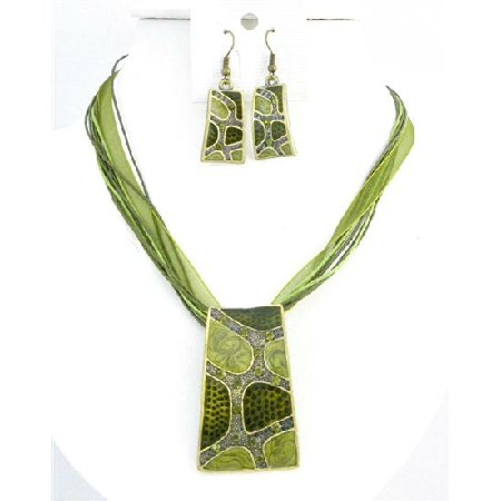 Olivine Green Enameled Self Designed Necklace Set Dainty Rhinestones