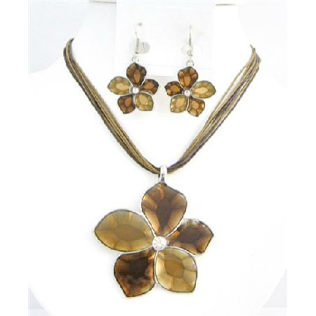 Colorado & Smoked Topaz Necklace Shaded Flower Necklace Set In Brown