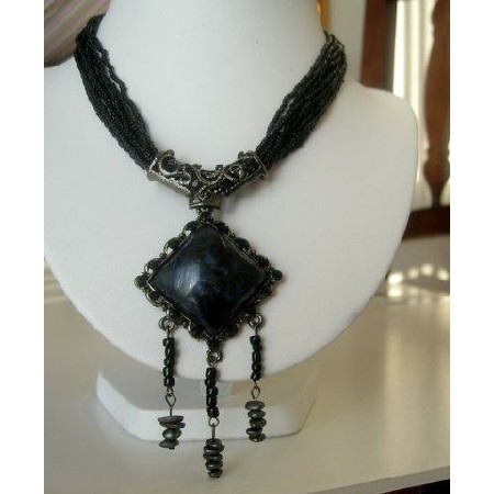 Costume jewelry Vintage Necklace w/ Pendant & trailing