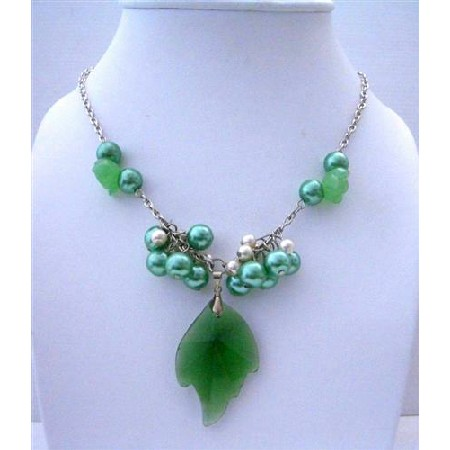 Emerald Leaf Pendant Fashion Jewelry with Simulated Crystal Necklace