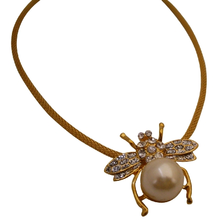 Beautiful Bumblebee Pendant Necklace