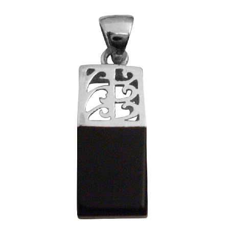 Be The Center Of Attention Onyx Black Sophisticate Pendant