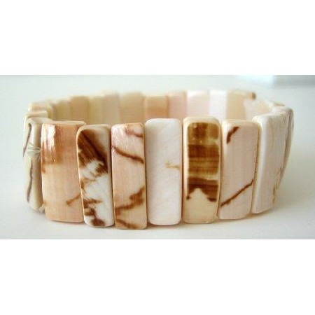 Natural Shell Strechable Bracelet Hawii Style w/ Self Designed