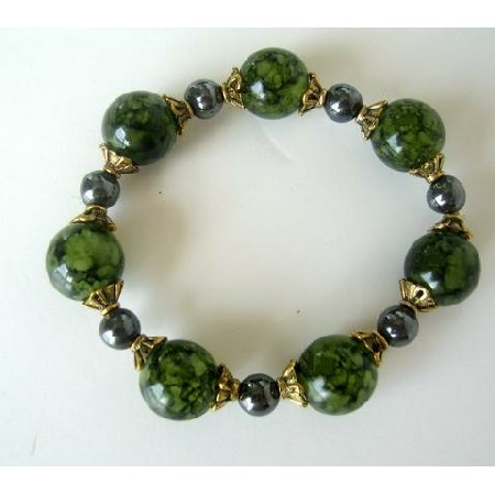 Green Lucite Beads w/ Antique Gold Bead & Pearl Stretchable Bracelet
